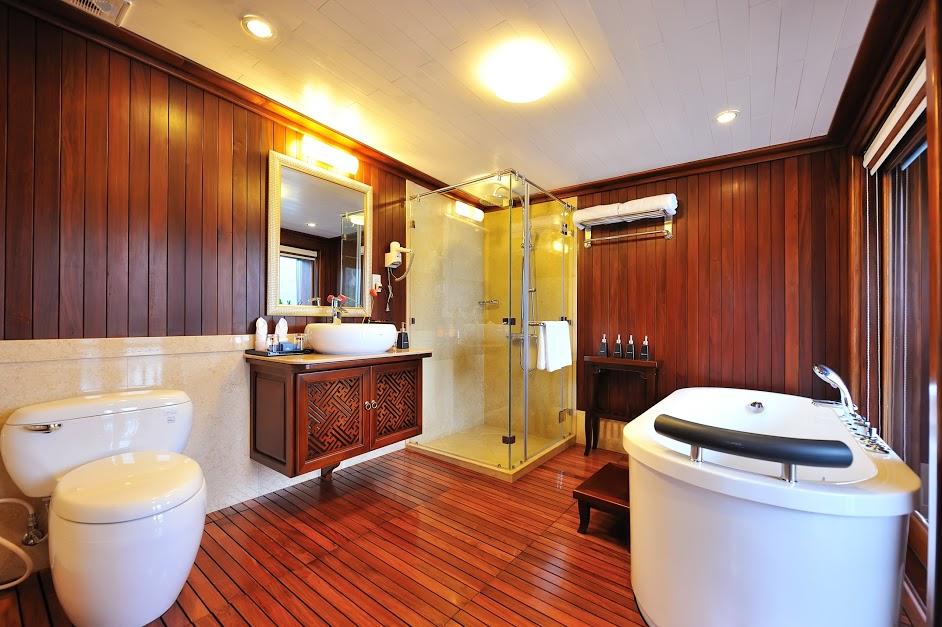 Paradise Peak Bathroom
